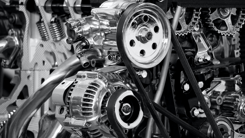 Biegła znajomość silników spalinowych.